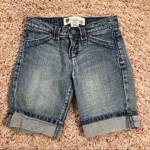 Girl's GAP 6 regular Bermuda length jean shorts